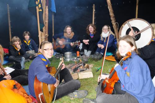 Singerunde im Lager des Rheinischen Singewettstreits 2012, Foto: Andreas Winkelmann