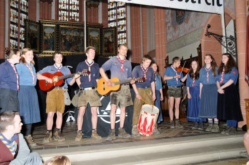 Älterengruppe der Jungen- und Mädelschaft Schwarzer Adler (DPB), Rheinischer Singewettstreit 2012, Foto: Andreas Winkelmann