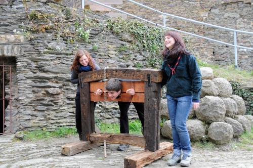 Lustiges Treiben auf Burg Rheinfels während des Rheinischen Singewettstreits 2012, Foto: Andreas Winkelmann
